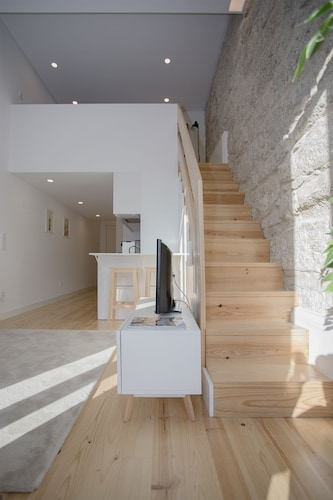 Liiiving In Porto Terrace & Sunny Apartment, Porto