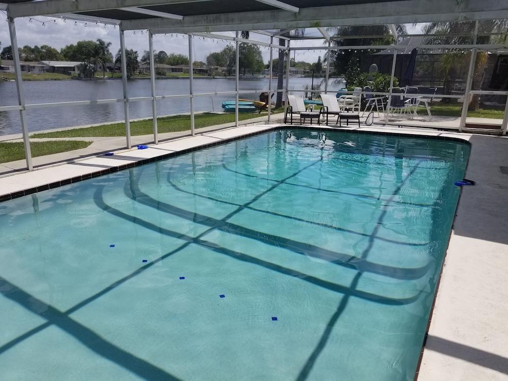 私人游泳池