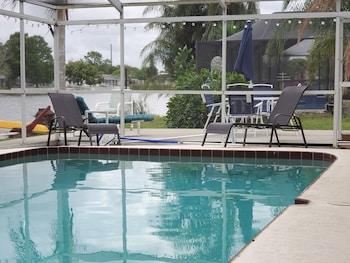 全新裝潢游泳池與湖泊夢想之家飯店 Newly Renovated Pool and Lake Dream Home