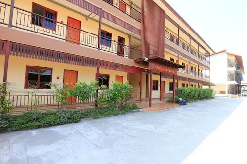S Hotel, Muang Lamphun