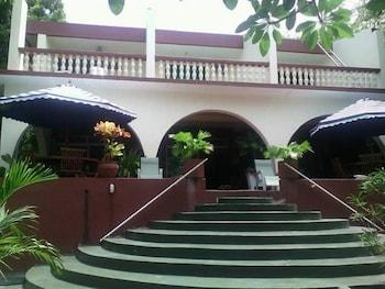 ATHINA BEACH GUEST HOUSE