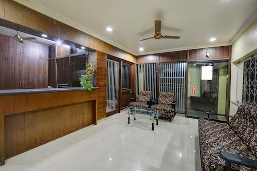 OYO 22499 Vishnu Residency, Chikmagalur