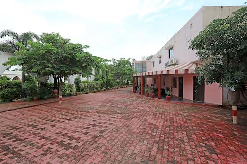 OYO 18965 Parampara Garden, Raipur
