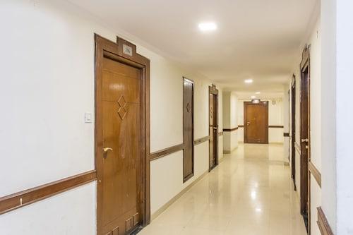 OYO 25042 Vikramaditya Hotel, Ujjain