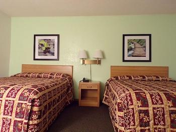 Basic Room, 2 Queen Beds, Accessible, Non Smoking