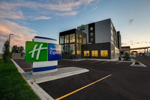 . Holiday Inn Express Lethbridge Southeast, an IHG Hotel