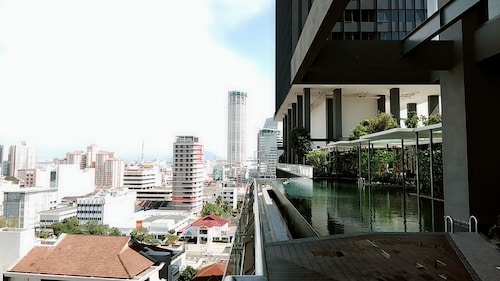 Tropicana Corner Home, Pulau Penang