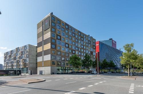 . CABINN Apartments