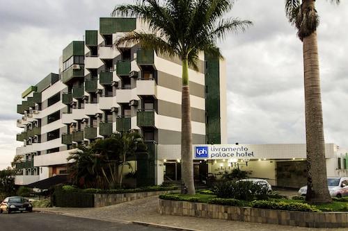 __{offers.Best_flights}__ Livramento Palace Hotel