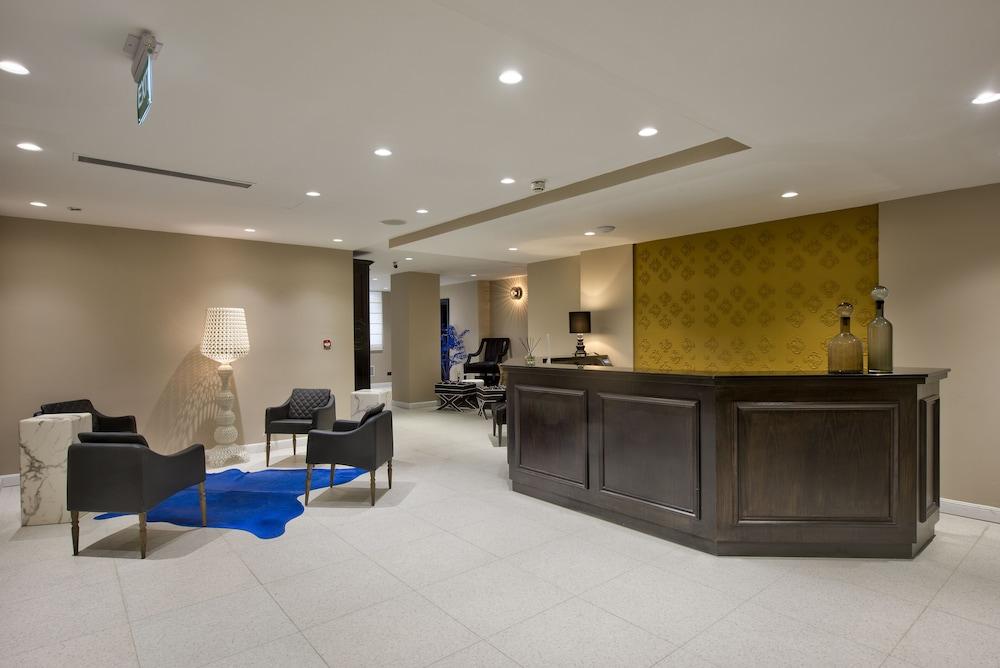 https://i.travelapi.com/hotels/35000000/34030000/34030000/34029932/033c1ab5_z.jpg