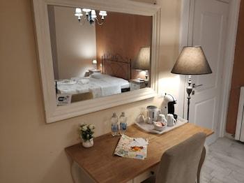 Double Room (6)