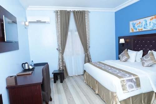 Glo-ran Hotel and Event Place, Owerri West