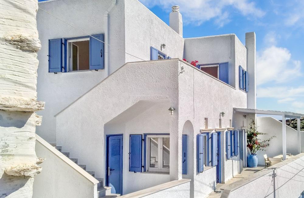 Tinoshomelidays Residencies
