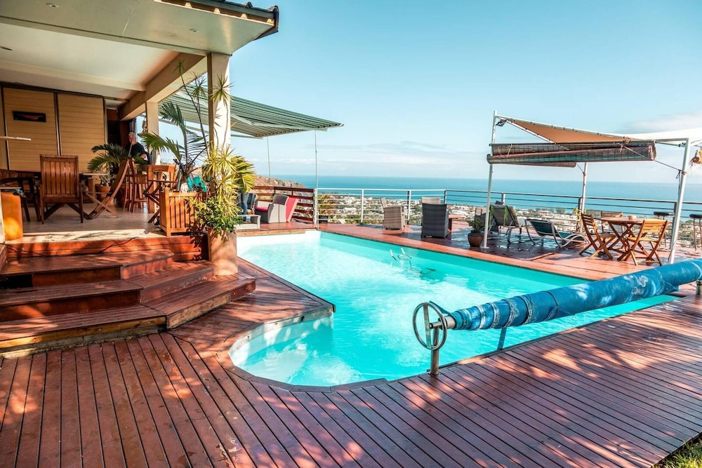 Apartment With 2 Bedrooms in Saint-paul, With Wonderful sea View, Pool Access, Furnished Terrace - 1