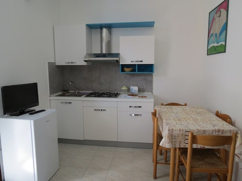 Residence Mare, Fermo