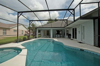 Greater Groves-4 Bedrooms home w/pool-5204GG
