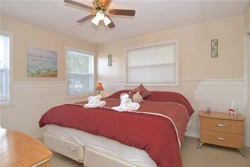 Gulf Retreat - Two Bedroom Home, Lee