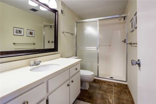 Sand Caper 202 - Two Bedroom Condo, Lee