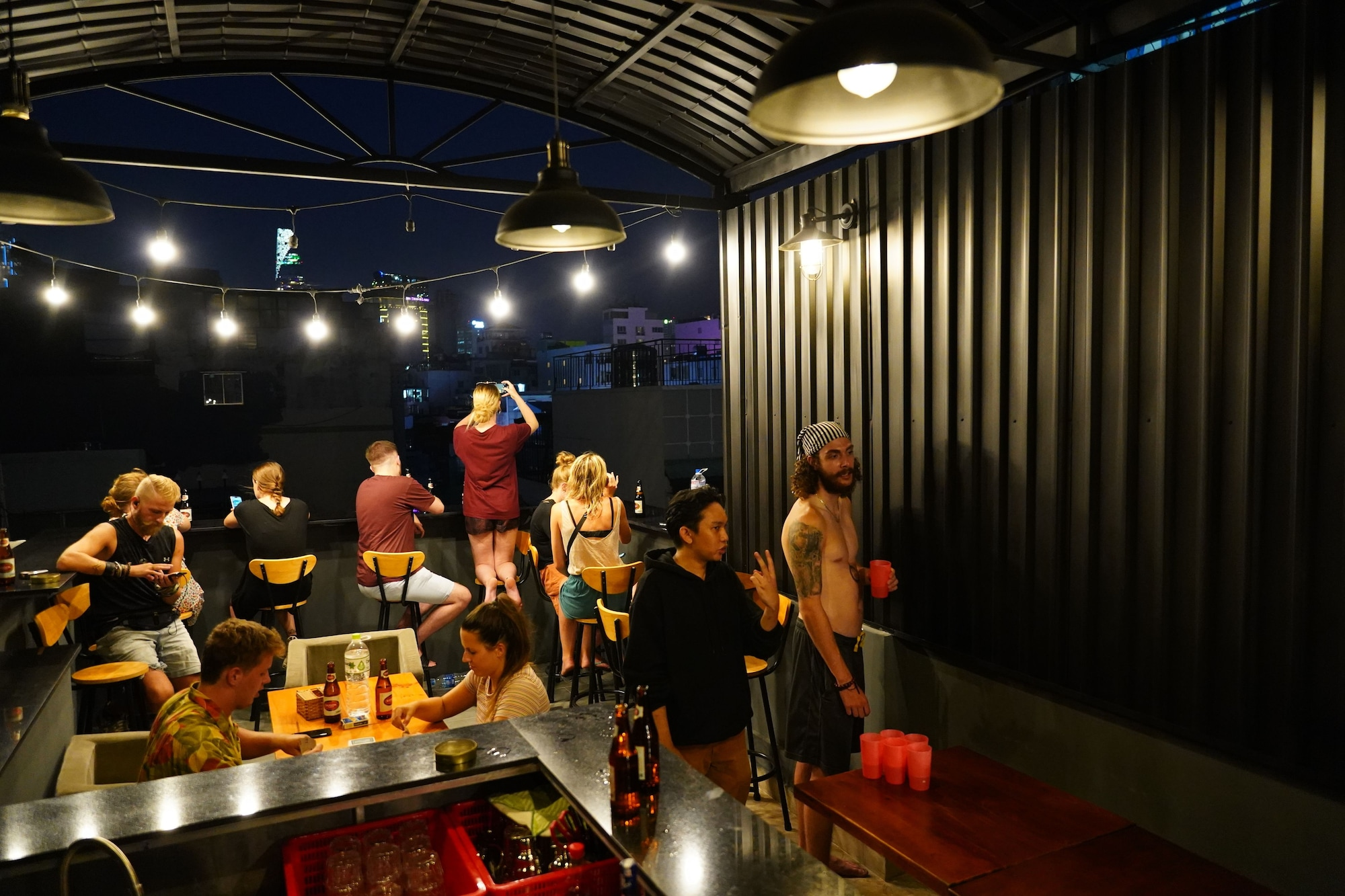 The Prince of Whales Hostel & Bar, Quận 1