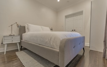 Beverly Hills 3 Suite Lower - 3 Br Apts