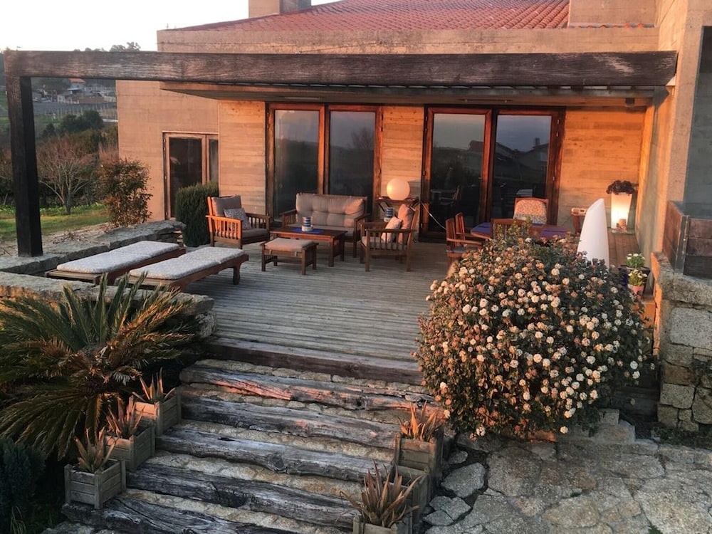 House With 3 Bedrooms in Sanjenjo, With Wonderful sea View, Furnished Terrace and Wifi - 500 m From