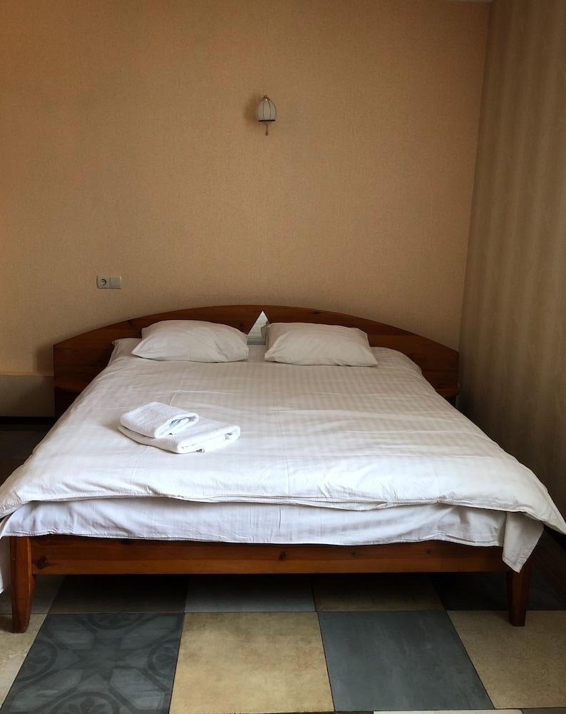 Отель и ресторан «Жуляны Сити»