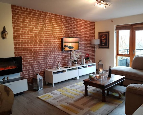 2 Bedroom Riverside Flat in Dublin,