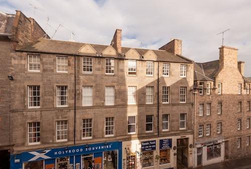 1 Bedroom Home in Old Town Centre, Edinburgh