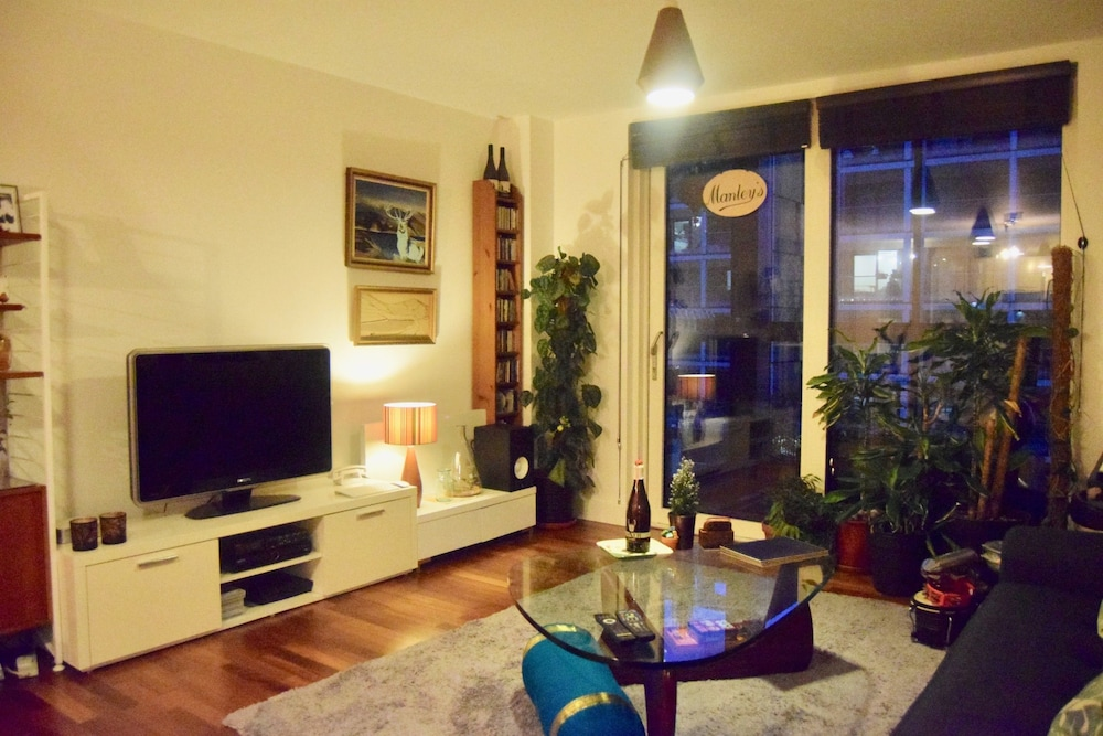 Spacious 1 Bedroom Flat With Covered Balcony
