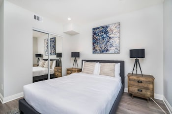 Brand NEW Modern Luxury 3bdr Townhome In Silver Lake