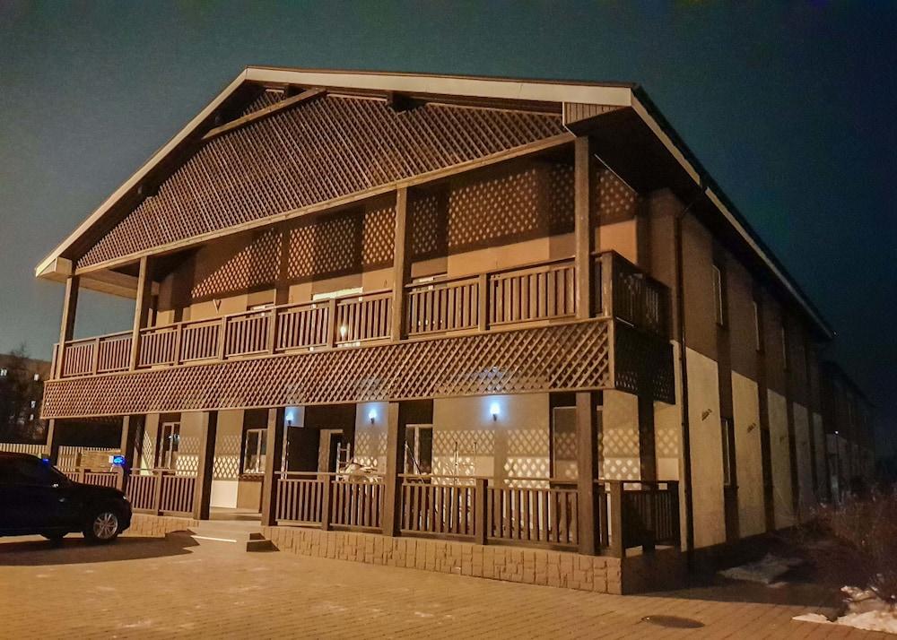 Отель Bortnichi Village