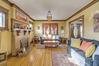 The Lohi Historic Home in the Heart of Denver Sleeps 18+