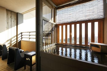 温泉露天風呂付き和洋室B(4名定員)40〜46平米 湯宿 季の庭