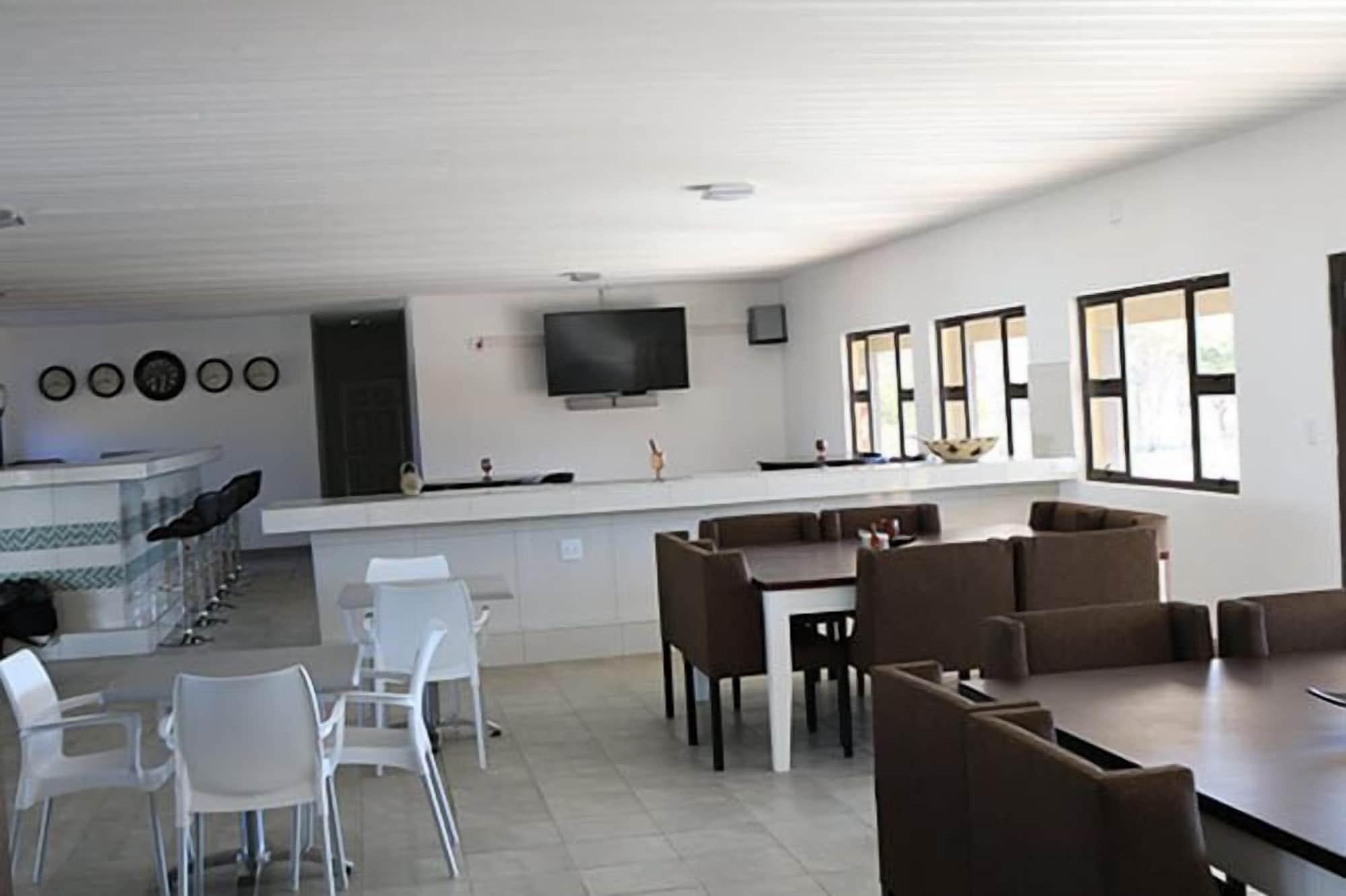 Shikamasha Etosha Game lodge, Guinas