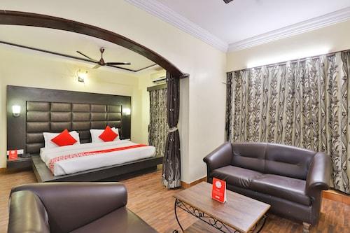 OYO 18292 Hotel Ashoka International, Surat