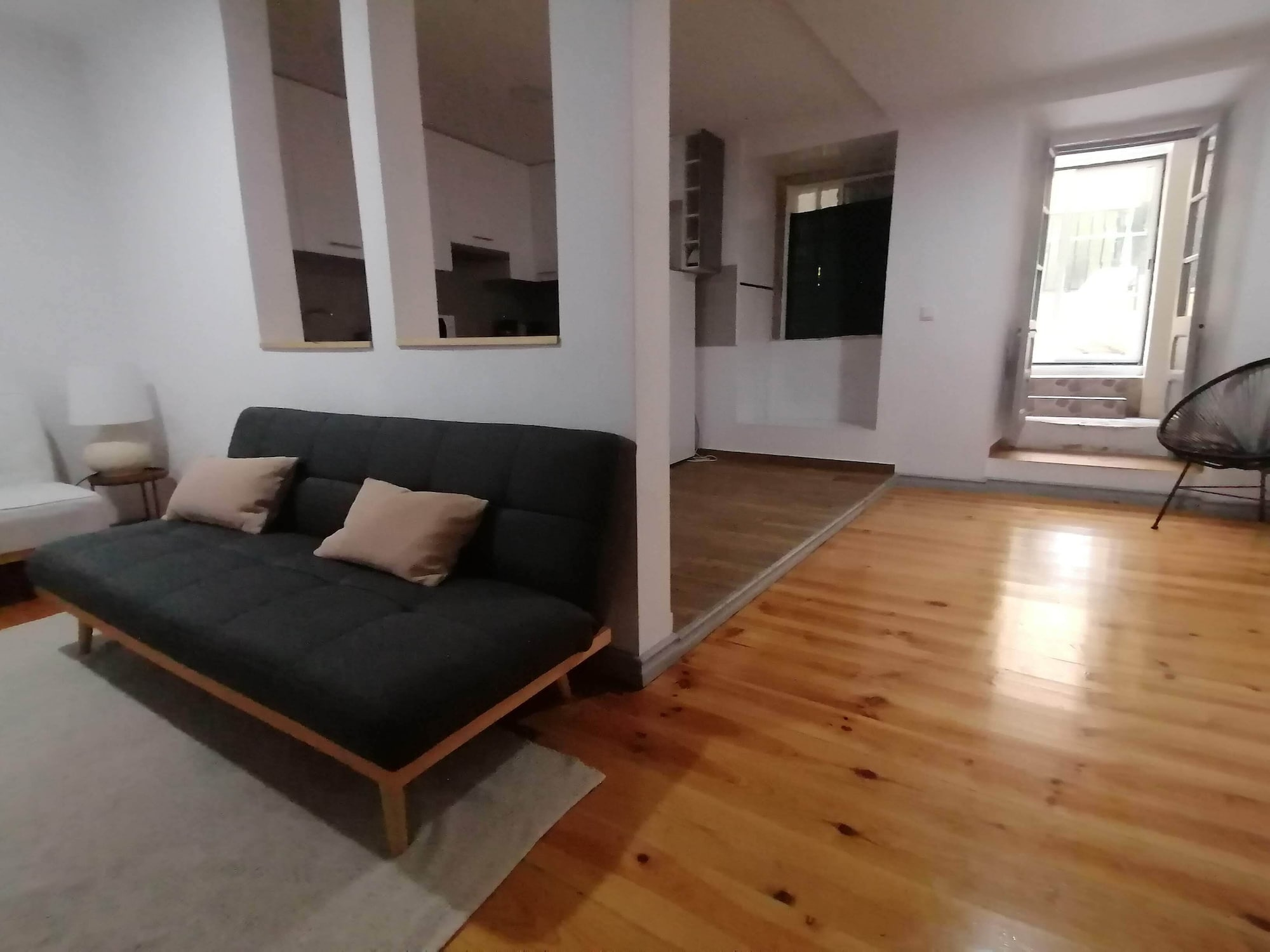 Amazing Apartment With Yard in Alfama, Lisboa