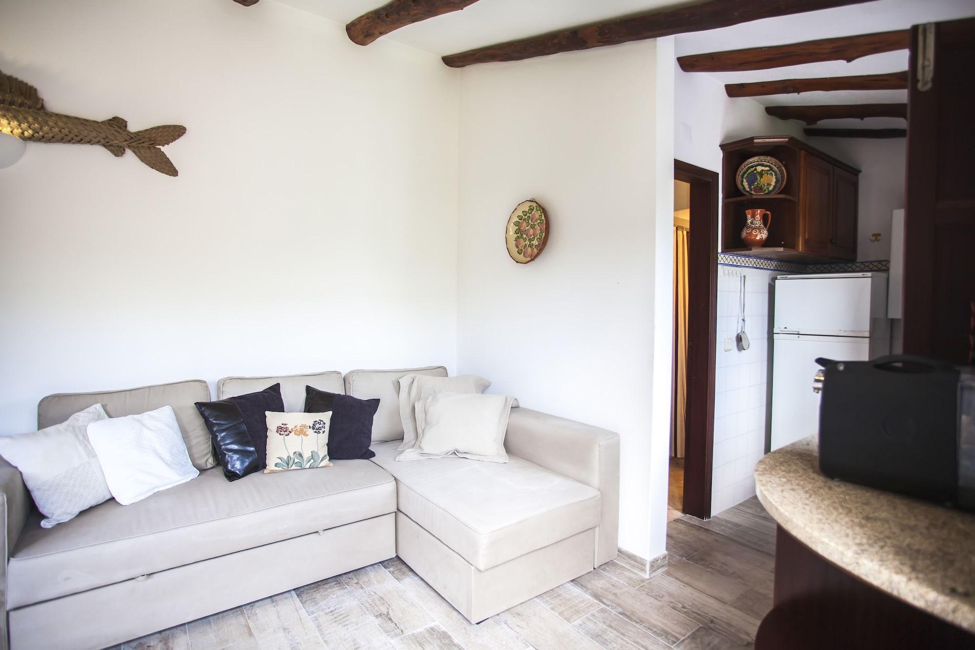 Beautiful Country House & Romantic Garden, Sintra