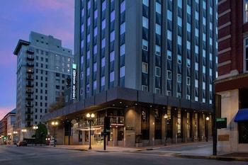 諾克斯維爾市中心希爾頓大使套房飯店 Embassy Suites by Hilton Knoxville Downtown