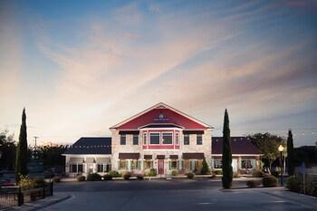 High Cotton Inn