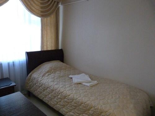 Friends Hotel, Volzhskiy