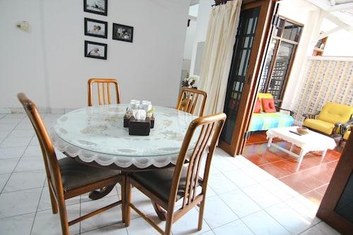 D'Arina Guesthouse, Yogyakarta