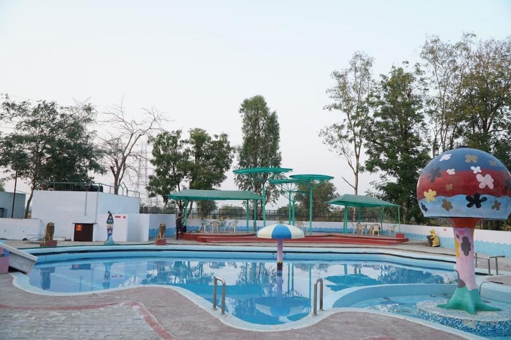 Neel kanth Motels & Hotel