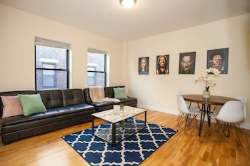 Luxe 4 Bed 2 Bath ~ Newbury St & Back Bay