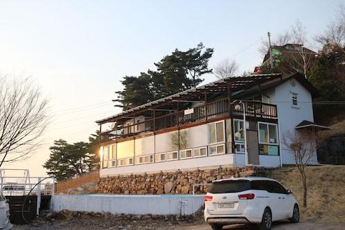 Danyang Mountain Pension, Danyang