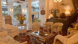 The Elgin Fairlawn Kolkata