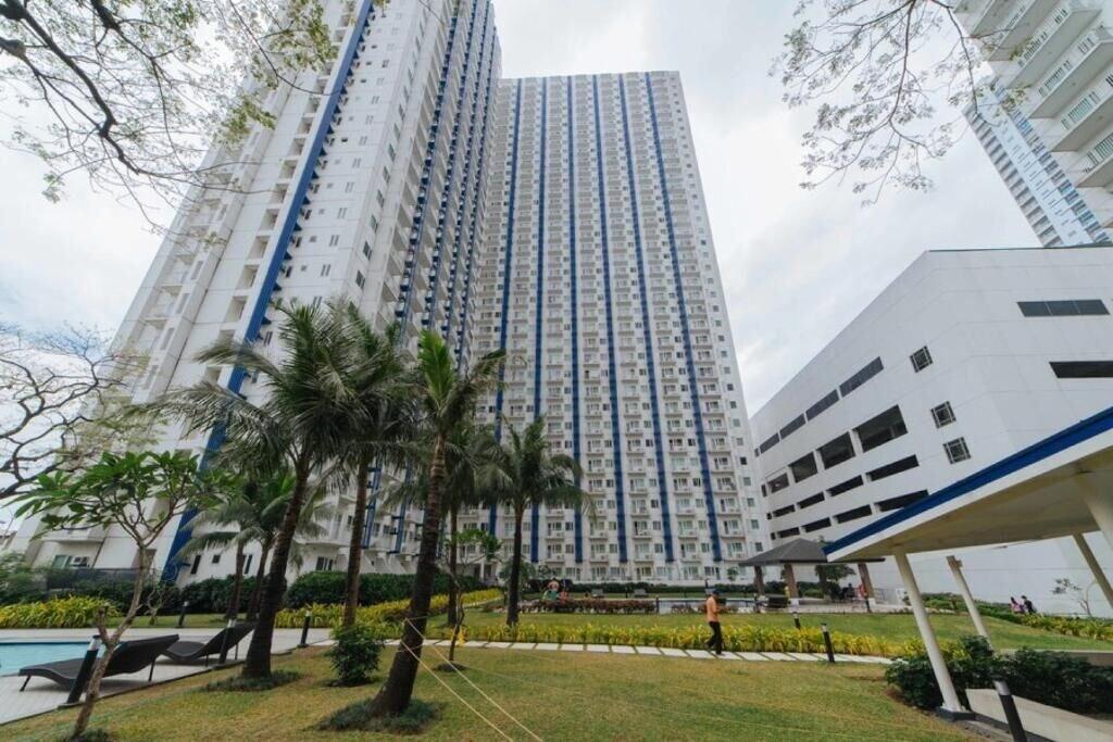 RedDoorz Premium @ SMDC North EDSA, Quezon City