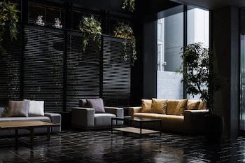 BESPOKE HOTEL SHINSAIBASHI Lobby Sitting Area