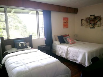 Standard Tek Büyük Veya İki Ayrı Yataklı Oda, Ortak Banyo