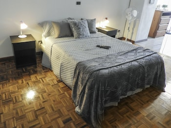 Standard Stüdyo, 1 Büyük (queen) Boy Yatak, Küçük Mutfak