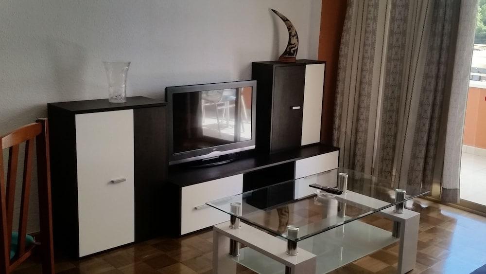 Ocana Apartments